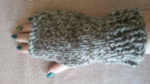 Chunky fingerless mitts to knit and purl.  Easy.