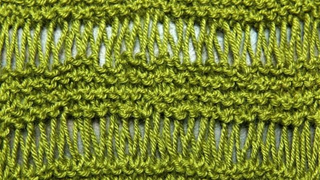 Knitting Dropped Stitch Help : My Mom is Knitting Again